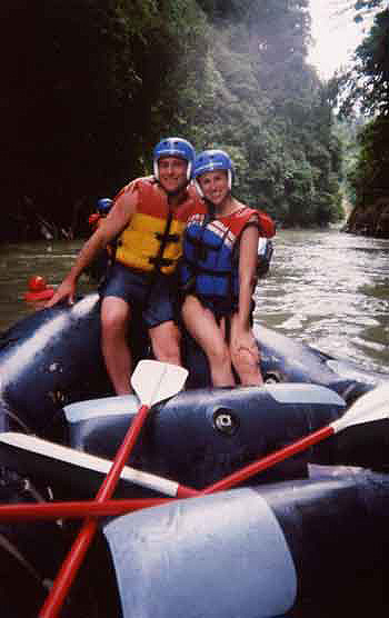 Honeymoon couple on a Costa Rica Expeditions rafting tour.