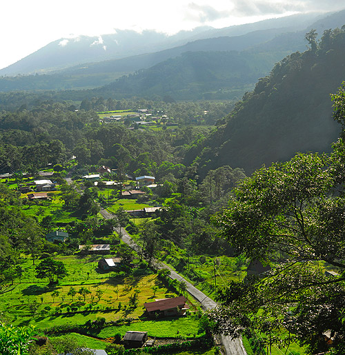 Los Bajos town in Costa Rica's central highlands.