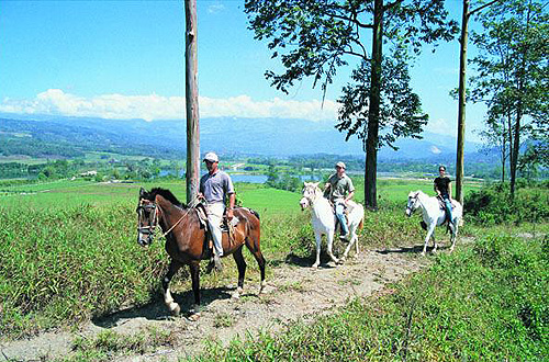 Horseback tour led by Costa Rica Expeditions.